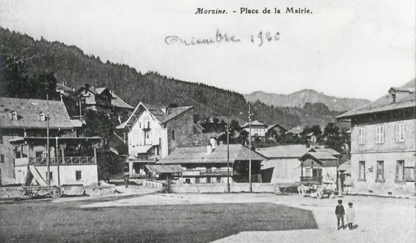 1 Place du Village
