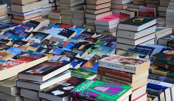 Bookshops / Newsagents / Stationery