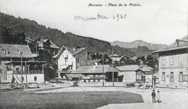 N°1 Place du village
