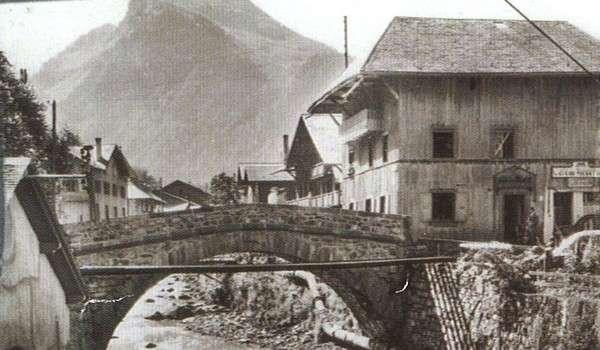 7 The old bridge