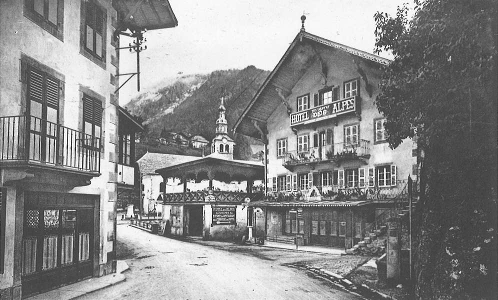 morzine-hotel-des-alpes-et-eglise-600-1255