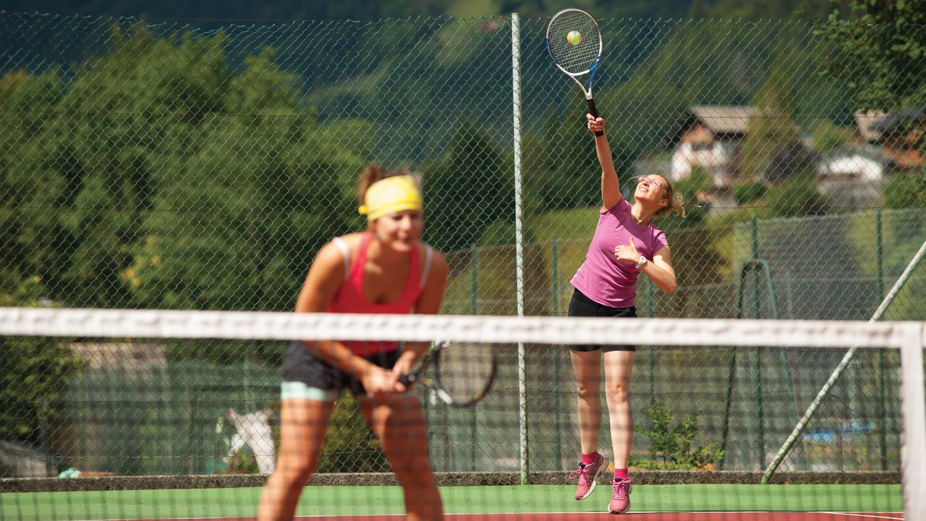 parc-des-dereches-morzine-tennis