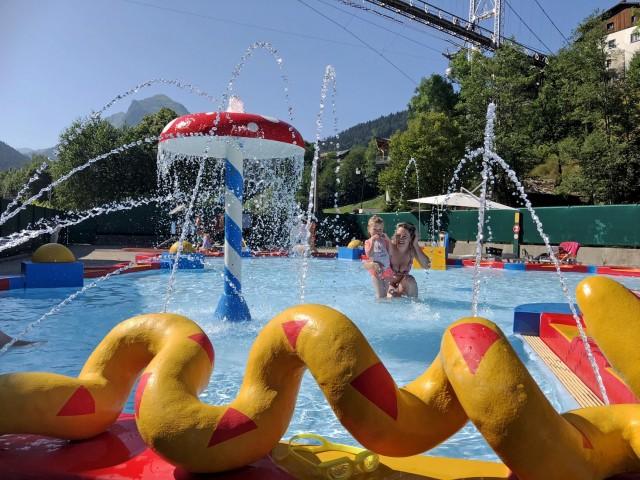 piscine-enfants-morzine