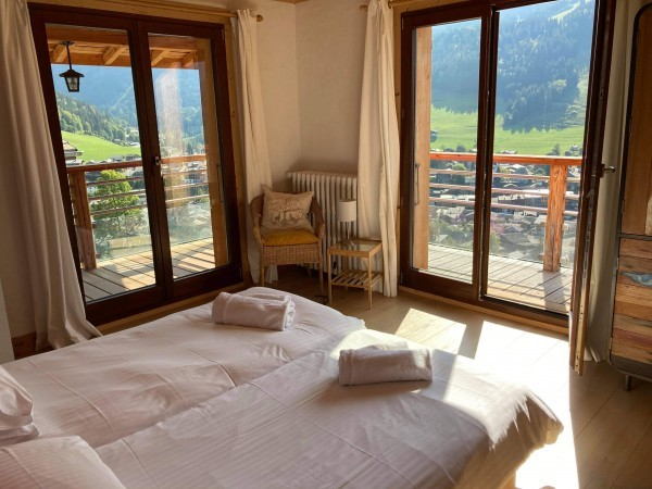 chambre-1-2-baies-vitrees-balcon-3818836